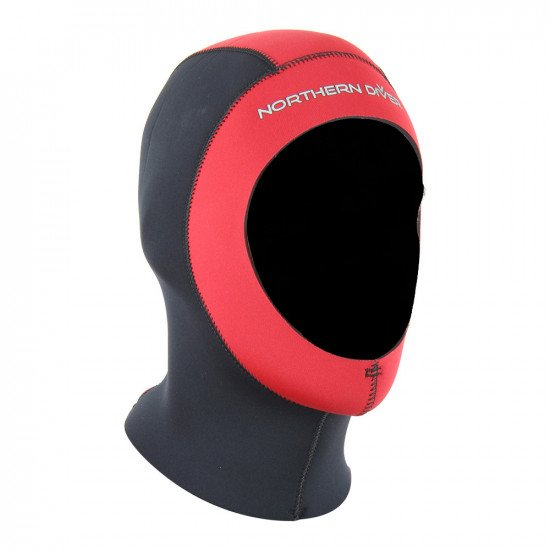The semi dry storm wetsuit is supplied with a 4.5mm > 5.0mm neoprene dive hood