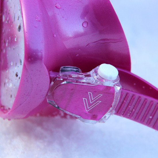 brava-mask-pink-side-clip
