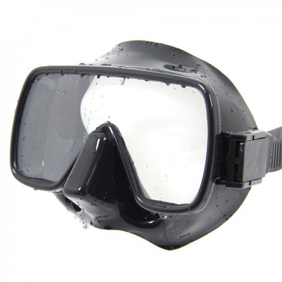 Black underwater mask