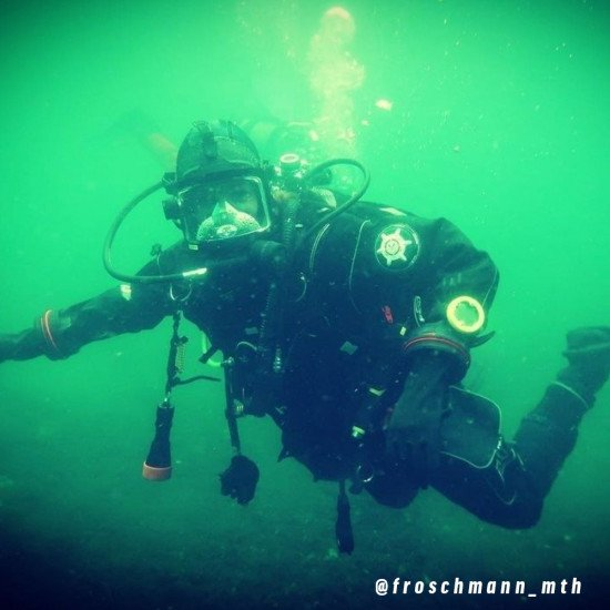 @froschmann_mth-wearing-Northern-Divers-hid-drysuit