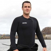 Northern Divers 3mm hotwater suit can be used as a thermal under garment or a wetsuit