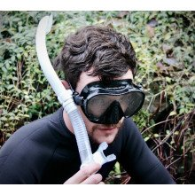 Snorkel suitable for scuba diving and snorkelling