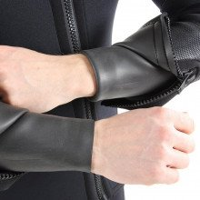 Zipped cuff covers with smooth skin wrist seals and over printed to keep wrist wear in place
