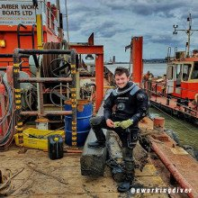 @aworkingdiver-wearing-the-Divemaster-Commercial-Drysuit