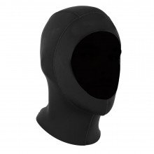 A superstretch all black hood is included in this wetsuit package