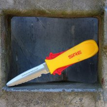 SRE Squeeze Lock Knife